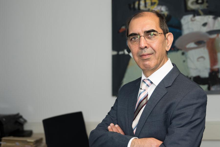 M. Hafiz Sharifzadah, Geschäftsleitung